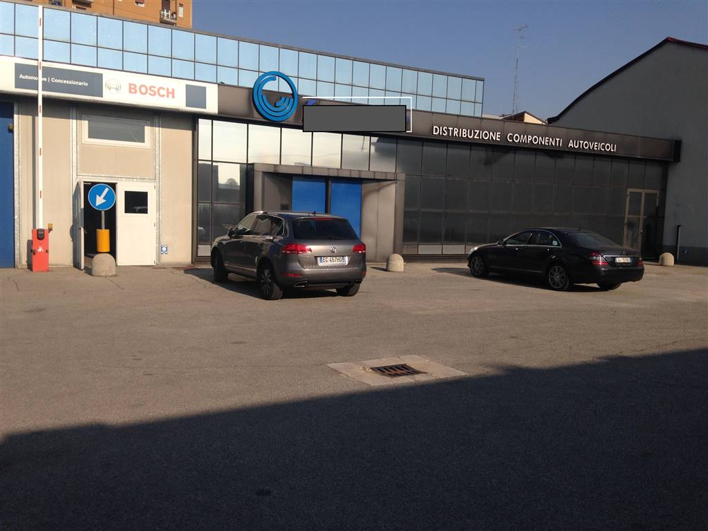 Industrial warehouse in MILANO 1560 Sq. mt. | 7 Rooms | Garden 0 Sq. mt.