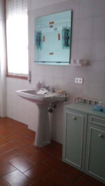 Appartamento in vendita a Ponte Nossa, 3 locali, Trattative riservate | CambioCasa.it