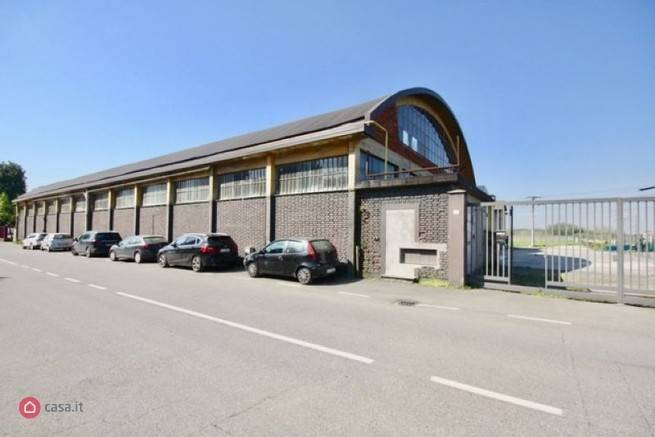 Industrial warehouse in BRUGHERIO 2500 Sq. mt.