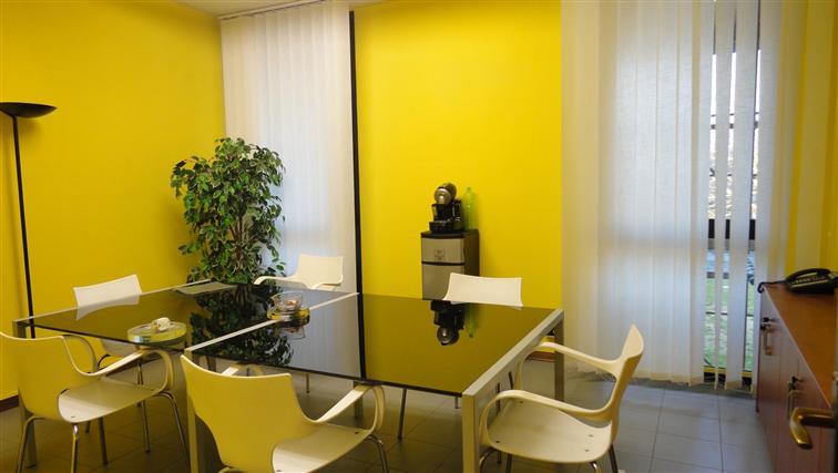 Ufficio / Studio in affitto a Scandicci, 5 locali, zona Località: CENTRO, prezzo € 1.060 | CambioCasa.it