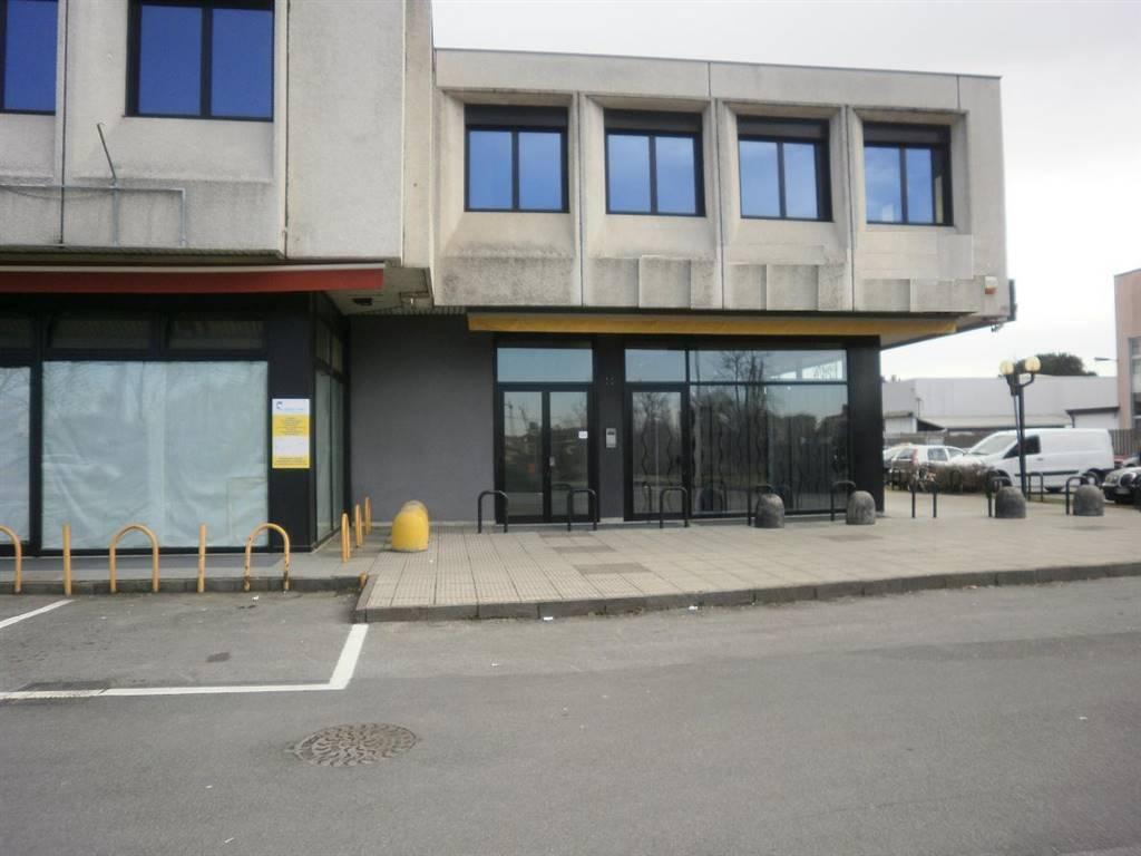 Attività commerciale, Cernusco Sul Naviglio, abitabile