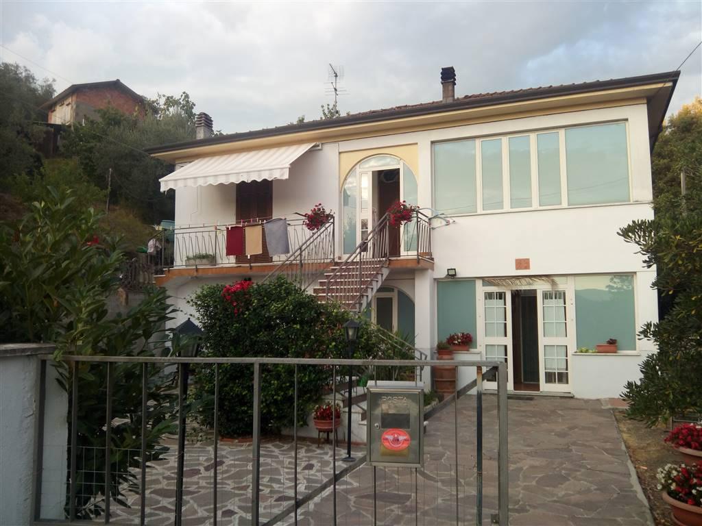 Casa singola, Ceparana, Bolano, in ottime condizioni