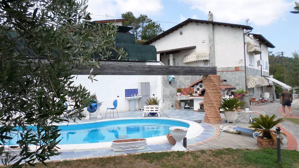 Villa a FOLLO