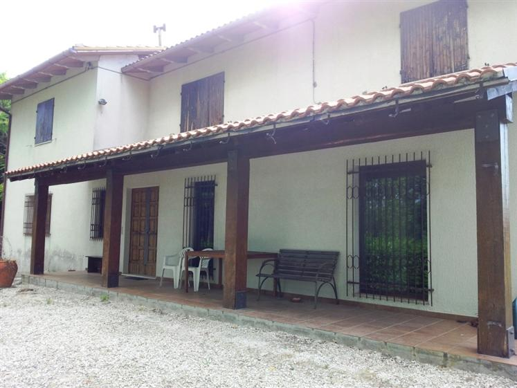Rustico casale in Via San Martino 1, Mergo
