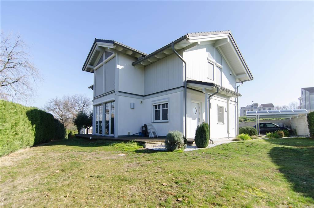 Villa in vendita a Morro d'Alba, 8 locali, Trattative riservate | CambioCasa.it