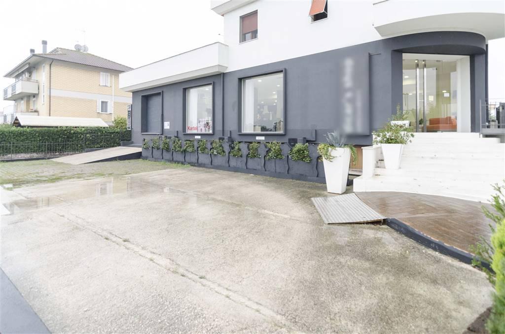 Attività / Licenza in vendita a Castelbellino, 7 locali, zona Zona: Castelbellino Stazione, prezzo € 290.000 | CambioCasa.it