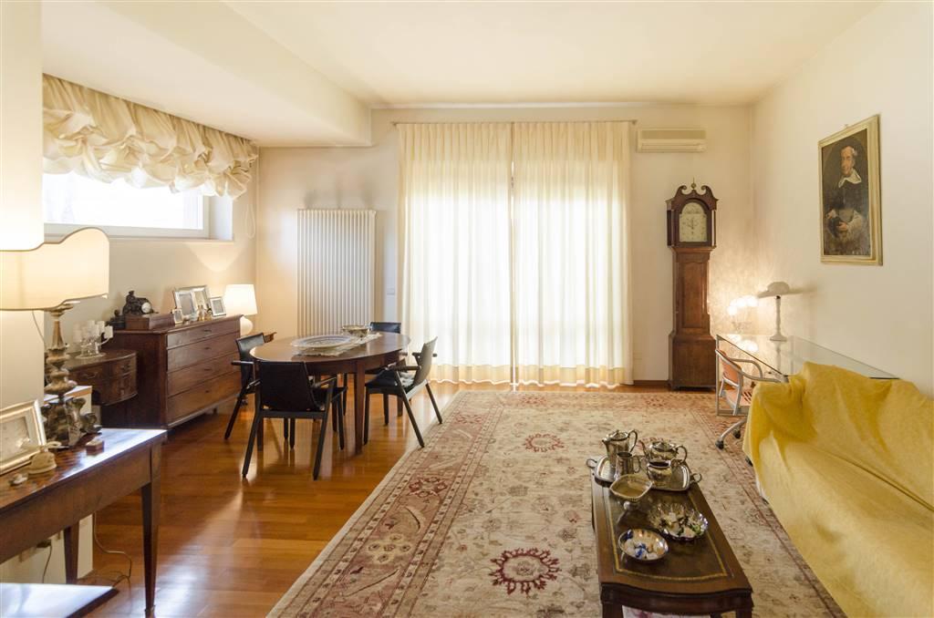 Appartamento in vendita a Jesi, 6 locali, Trattative riservate | CambioCasa.it