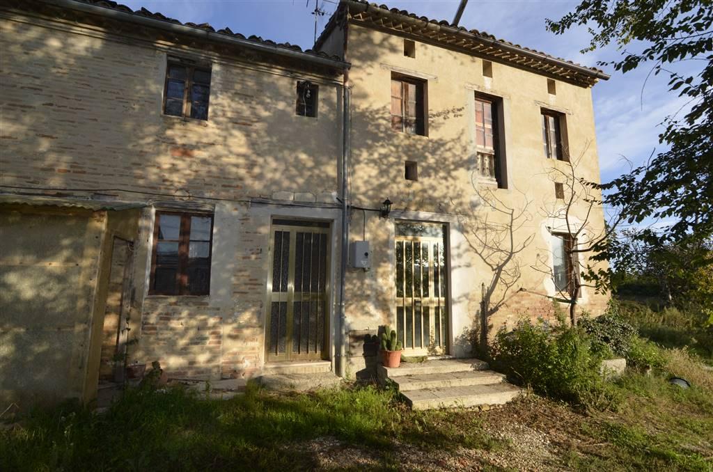 Rustico / Casale in vendita a Santa Maria Nuova, 8 locali, zona Zona: Pradellona, prezzo € 110.000 | CambioCasa.it