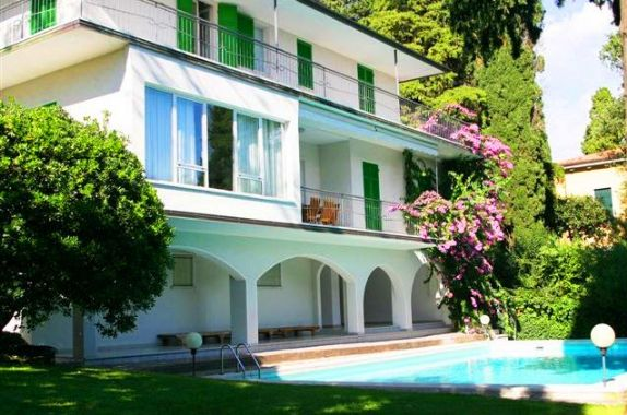 Villa in Via Roma, Gardone Riviera