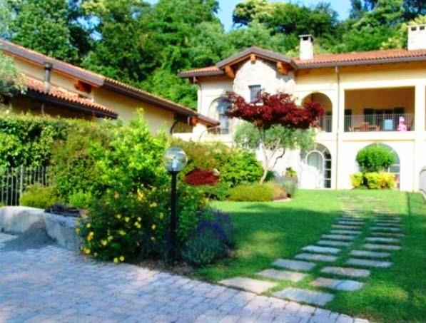 Vai alla scheda: Villa singola Vendita - Besozzo (VA) - Codice -20 - VABS