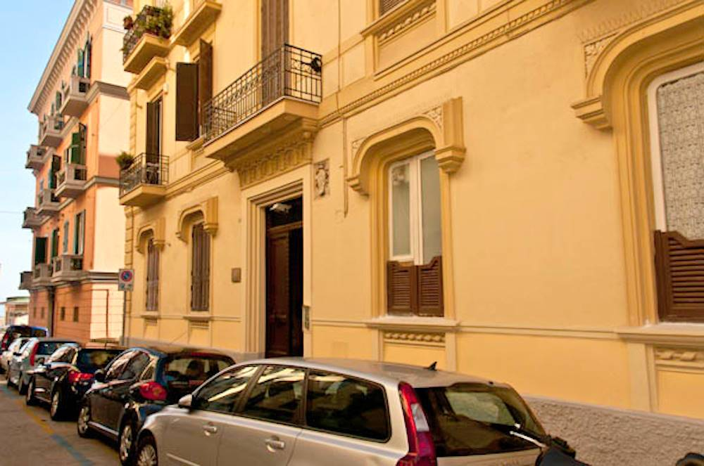 Bilocale in Via Francesco Paolo Michetti, Vomero, Napoli