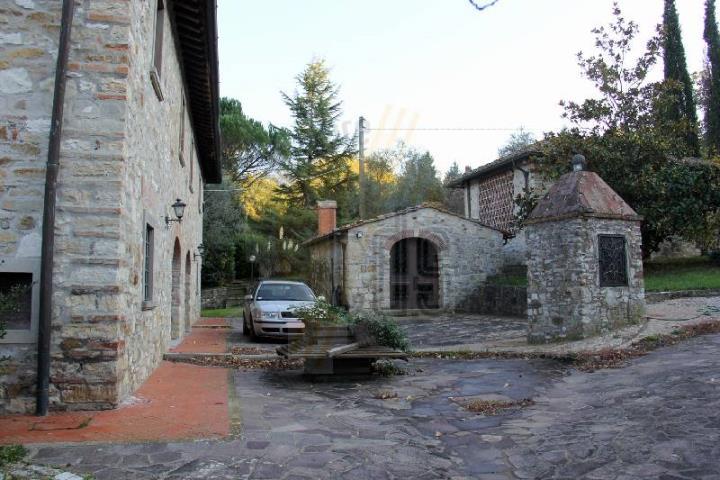 Colonica, Monteloro, Pontassieve, ristrutturata