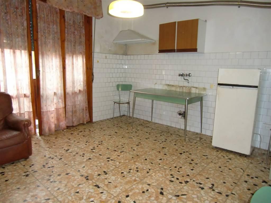 Appartamento in vendita a Cavriglia, 4 locali, zona ro, prezzo € 65.000 | PortaleAgenzieImmobiliari.it