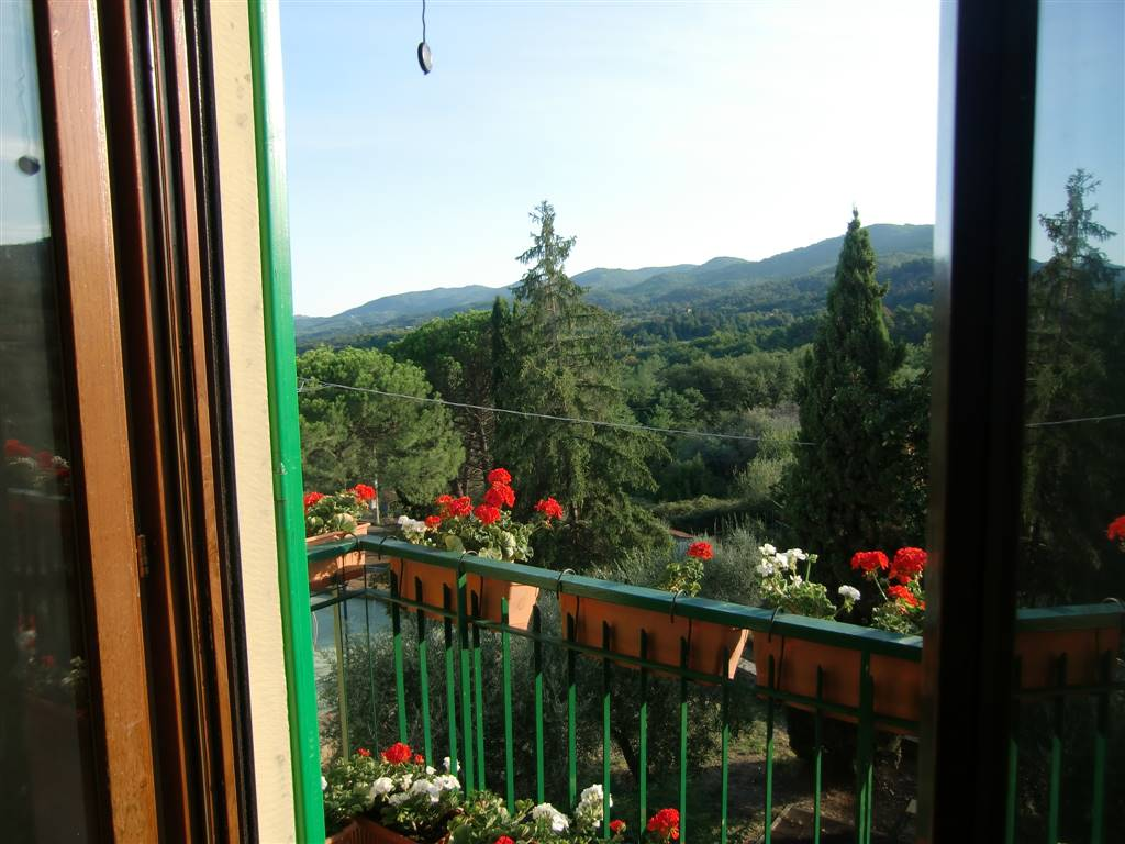 Appartamento in vendita a Figline e Incisa Valdarno, 4 locali, zona Località: GAVILLE, prezzo € 140.000 | CambioCasa.it
