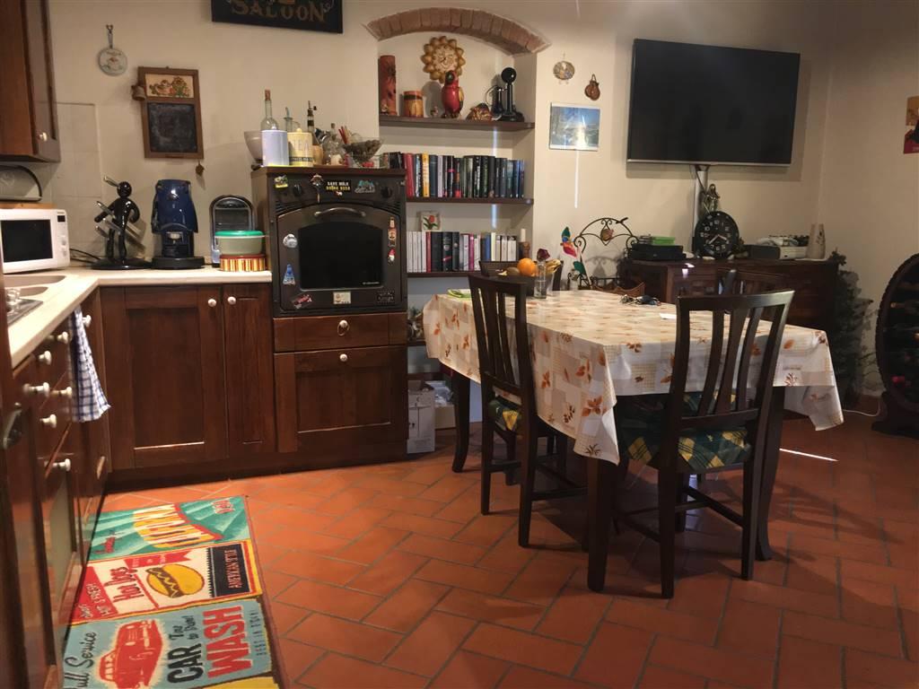 Appartamento in vendita a Loro Ciuffenna, 3 locali, zona Zona: Setteponti, prezzo € 128.000 | CambioCasa.it