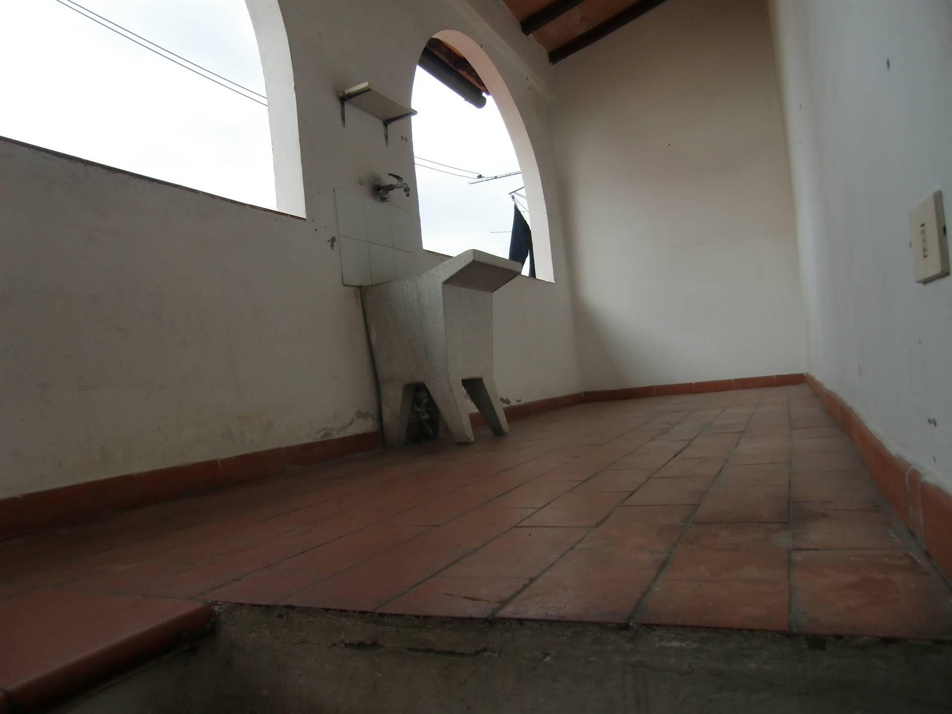 Appartamento in vendita a San Giovanni Valdarno, 4 locali, zona ro, prezzo € 80.000 | PortaleAgenzieImmobiliari.it