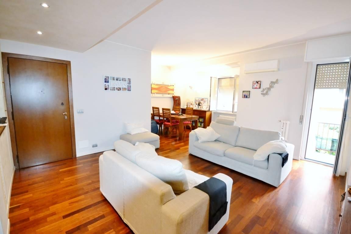 Appartamento in vendita a Cinisello Balsamo, 3 locali, zona Località: CENTRO, prezzo € 285.000 | PortaleAgenzieImmobiliari.it
