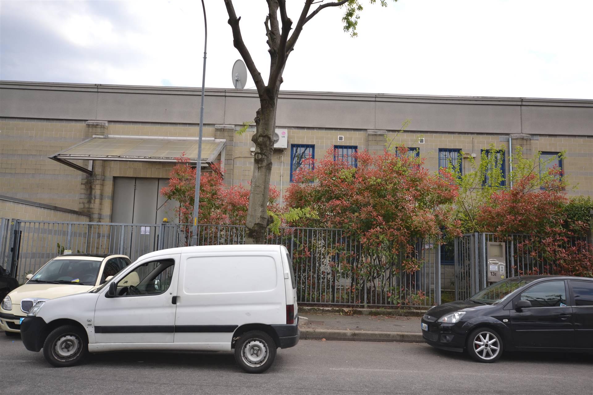 Capannone in vendita a Rho, 9999 locali, zona Zona: Lucernate, prezzo € 360.000 | CambioCasa.it