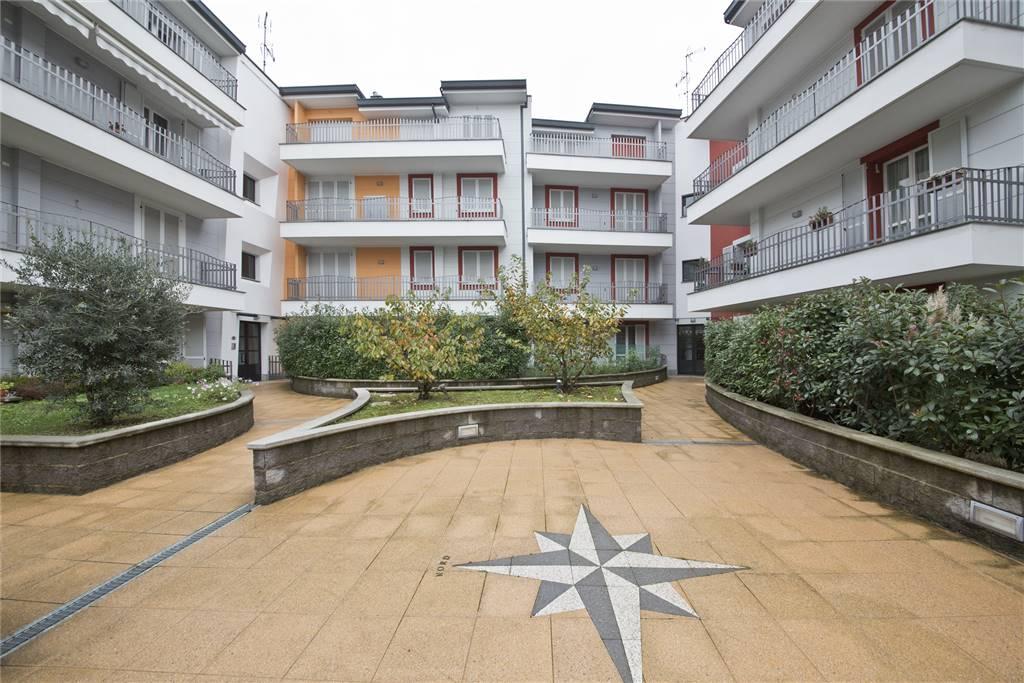 Appartamento in vendita a Besana in Brianza, 3 locali, prezzo € 173.000 | CambioCasa.it