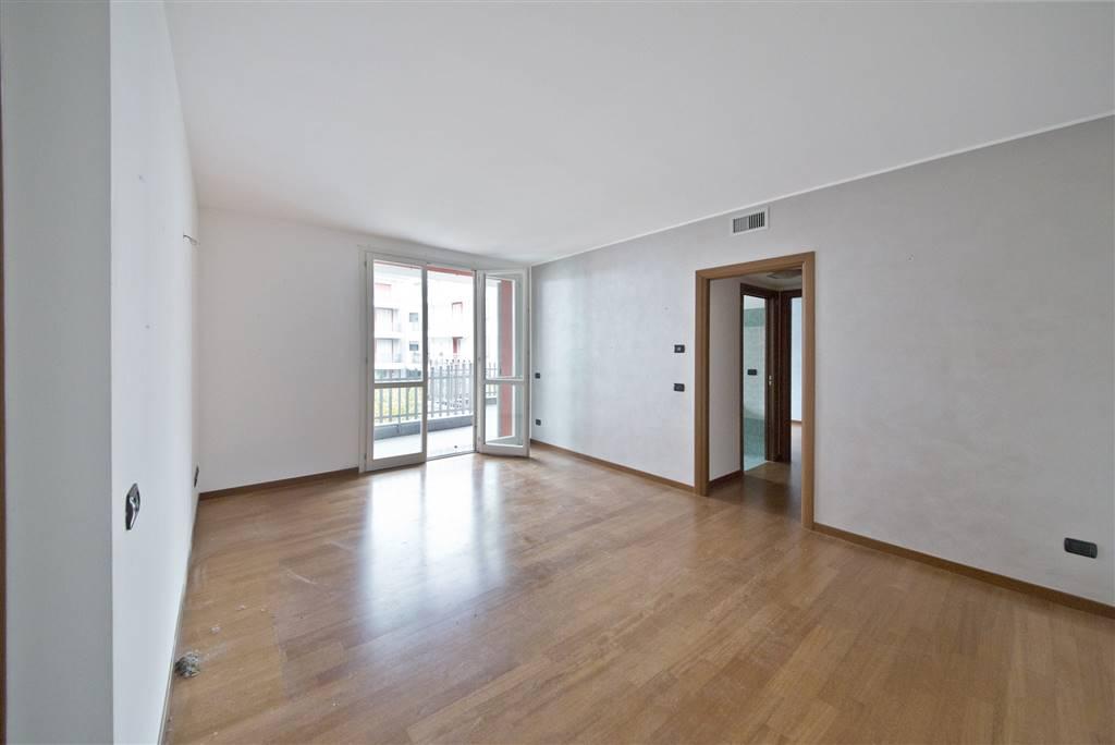 Appartamento in vendita a Besana in Brianza, 3 locali, prezzo € 171.000 | CambioCasa.it