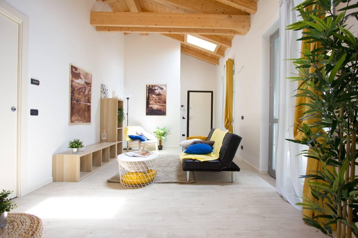 Appartamento in vendita a Cornate d'Adda, 3 locali, prezzo € 173.000 | CambioCasa.it