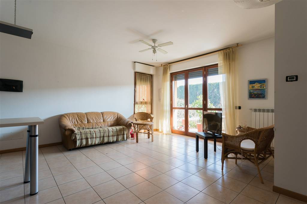 Appartamento in vendita a Mezzago, 3 locali, prezzo € 121.000 | CambioCasa.it