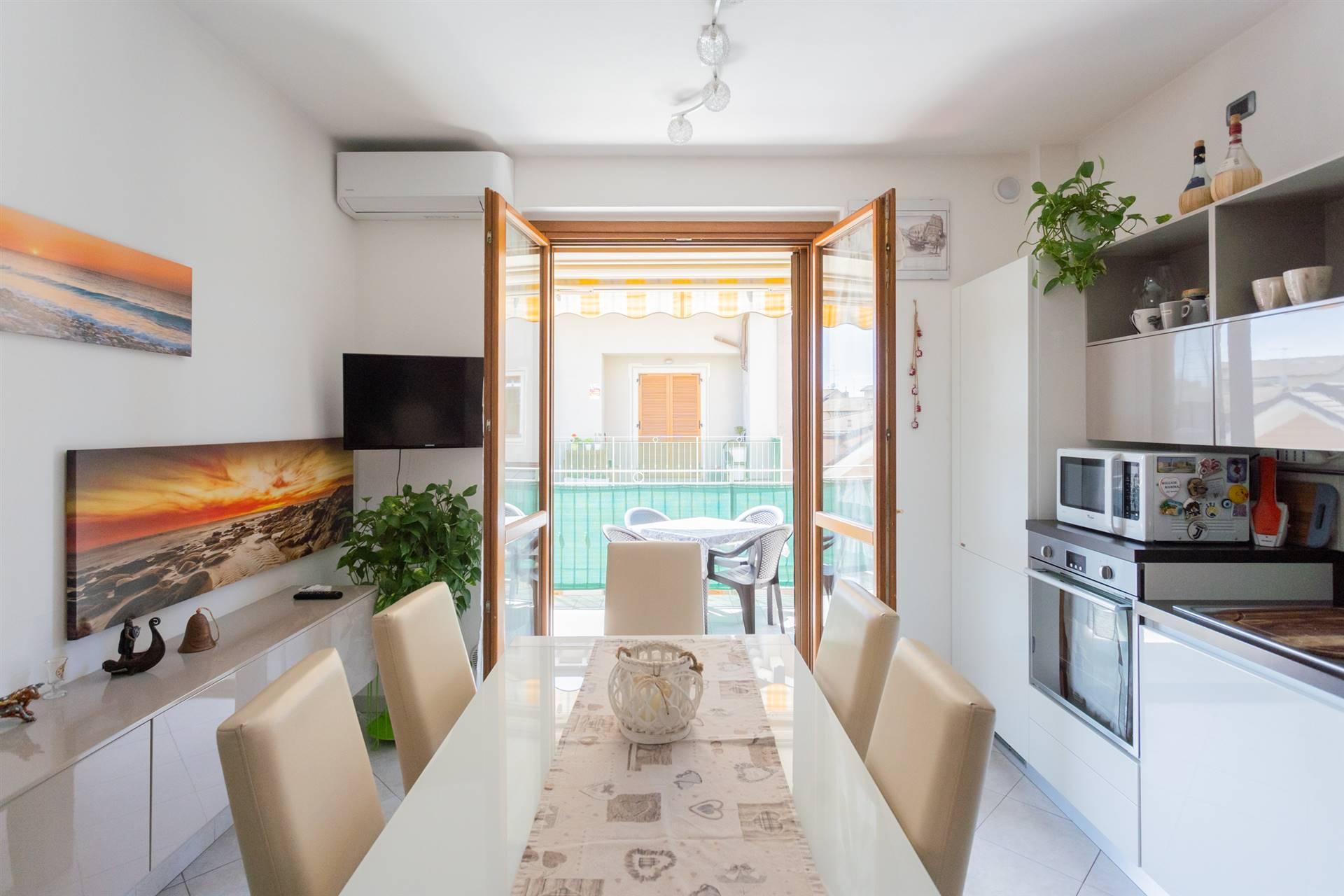 Appartamento in vendita a Cornate d'Adda, 4 locali, zona Zona: Porto d'Adda, prezzo € 149.000 | CambioCasa.it
