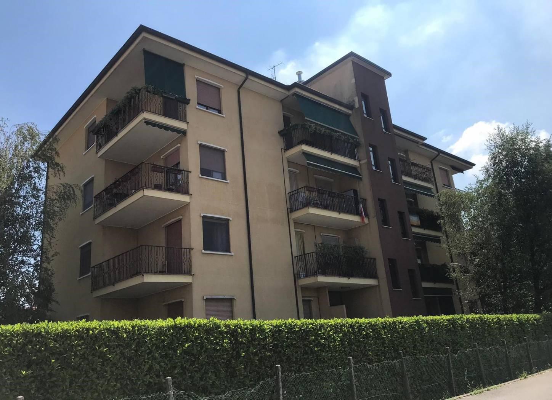 Appartamento in vendita a Cornate d'Adda, 3 locali, prezzo € 115.000 | CambioCasa.it
