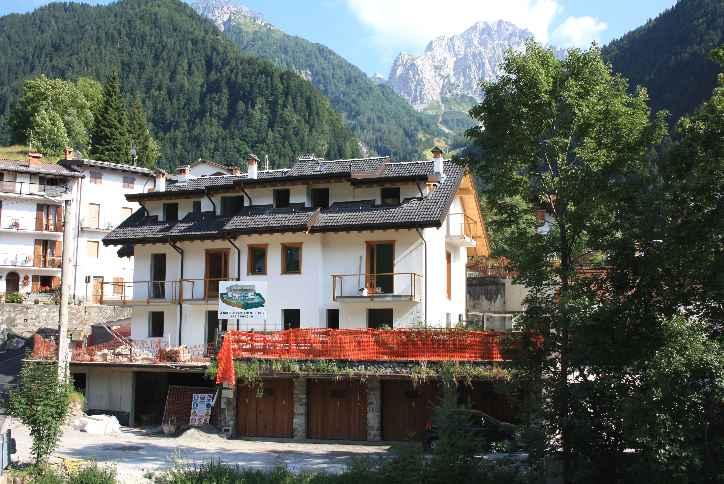 Appartamento in vendita a Schilpario, 3 locali, zona Località: SCHILPARIO PAESE, prezzo € 125.000 | CambioCasa.it