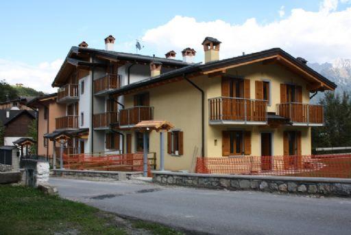 Appartamento in vendita a Colere, 2 locali, prezzo € 119.300 | CambioCasa.it