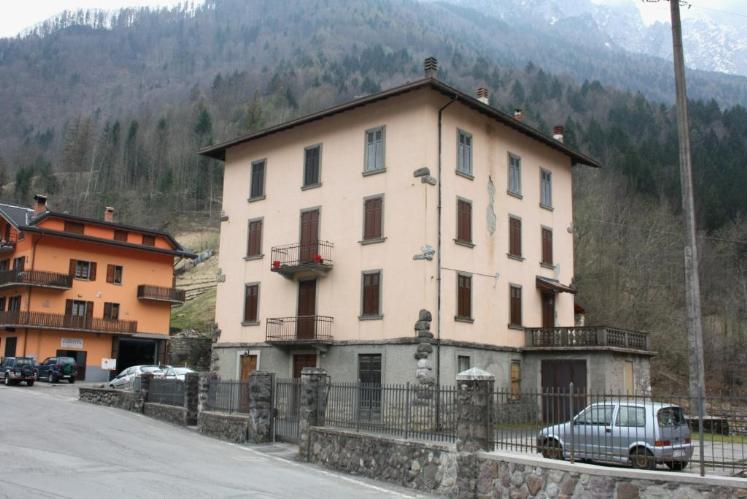 Appartamento in vendita a Colere, 5 locali, prezzo € 49.000 | CambioCasa.it