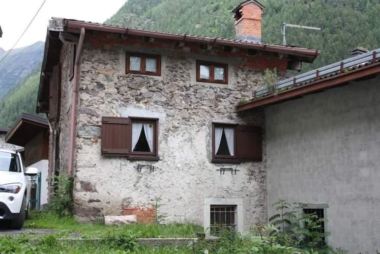 Rustico / Casale in vendita a Schilpario, 6 locali, zona Zona: Ronco, prezzo € 50.000   CambioCasa.it