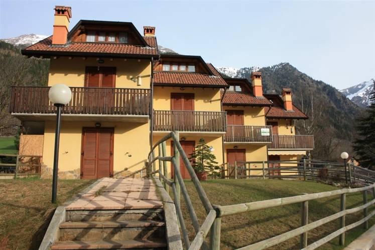 Appartamento in vendita a Schilpario, 2 locali, zona Zona: Barzesto, prezzo € 59.000 | CambioCasa.it
