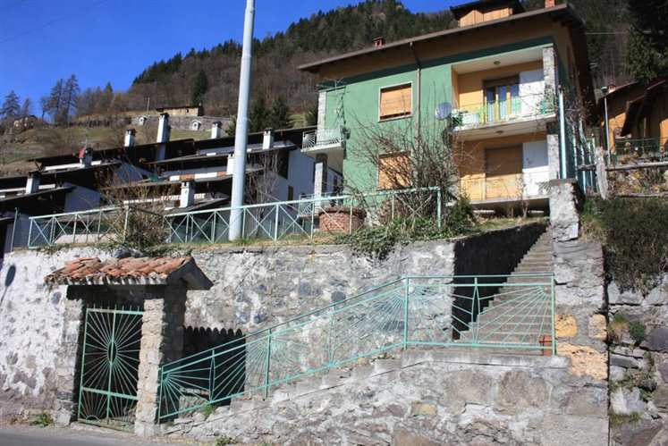 Soluzione Indipendente in vendita a Vilminore di Scalve, 11 locali, prezzo € 150.000   PortaleAgenzieImmobiliari.it