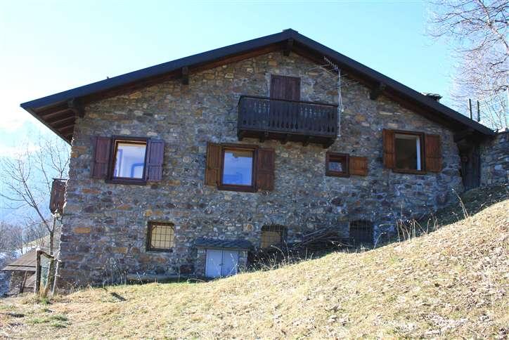 Rustico / Casale in vendita a Vilminore di Scalve, 4 locali, prezzo € 195.000   PortaleAgenzieImmobiliari.it