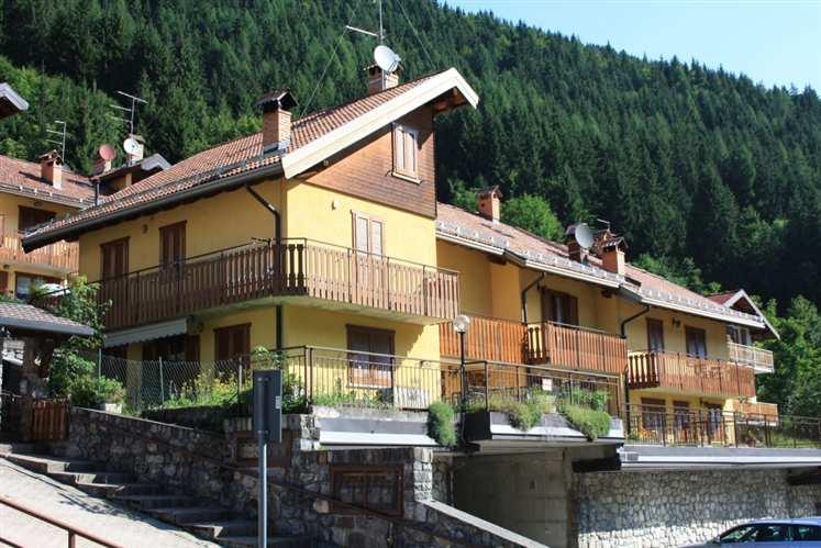 Villa a Schiera in vendita a Schilpario, 5 locali, prezzo € 159.000 | CambioCasa.it