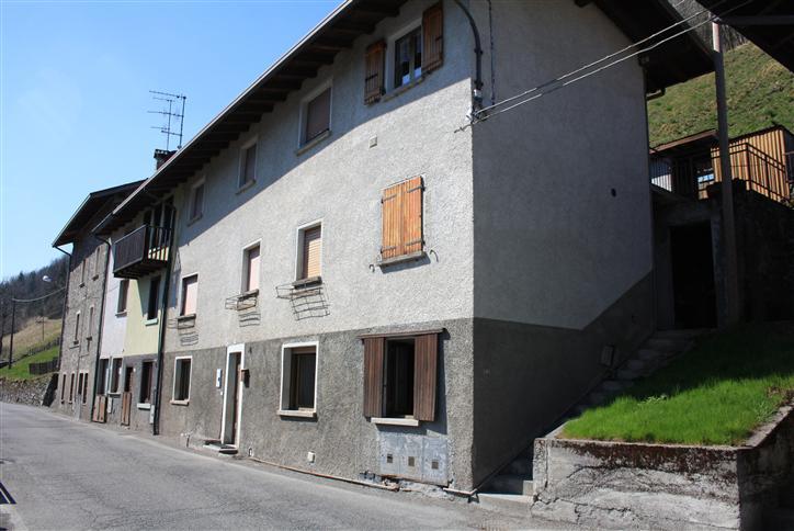 Appartamento in vendita a Colere, 3 locali, zona Località: GRANA, prezzo € 34.000 | CambioCasa.it