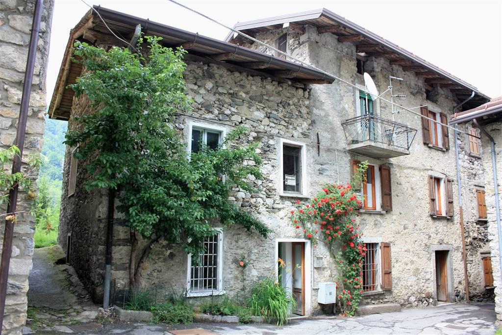 Rustico / Casale in vendita a Colere, 7 locali, prezzo € 79.000 | CambioCasa.it