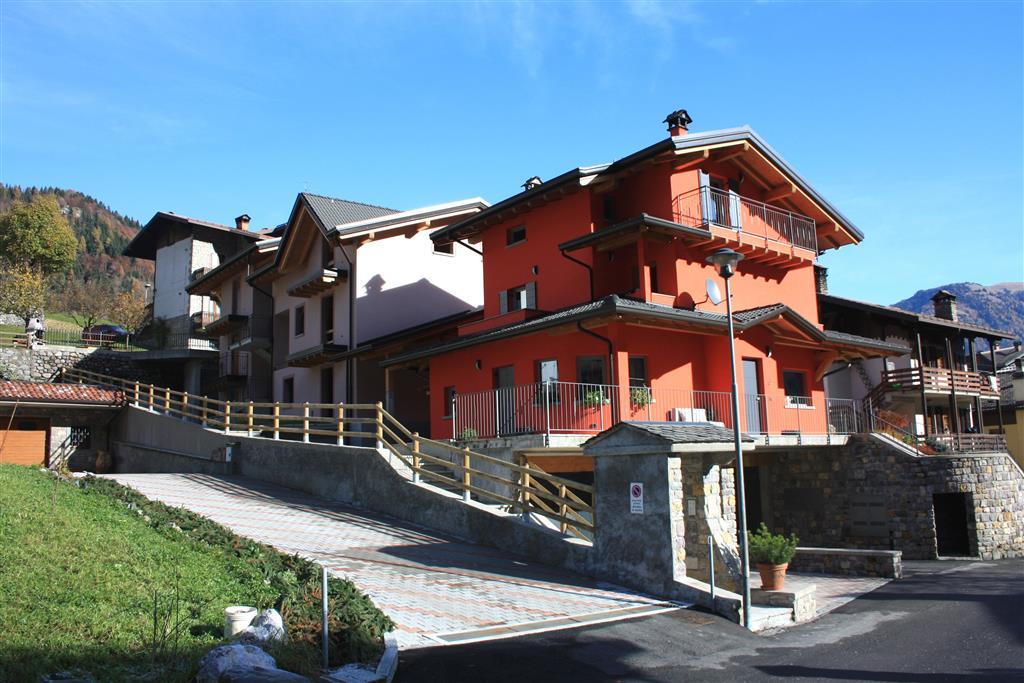 Appartamento in vendita a Colere, 3 locali, prezzo € 115.000 | CambioCasa.it