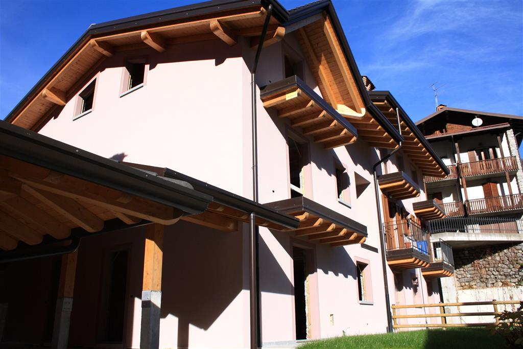 Villa a Schiera in vendita a Colere, 4 locali, prezzo € 145.000 | PortaleAgenzieImmobiliari.it