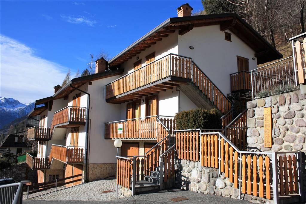 Trilocale in Via Statale 11/a, Barzesto, Schilpario