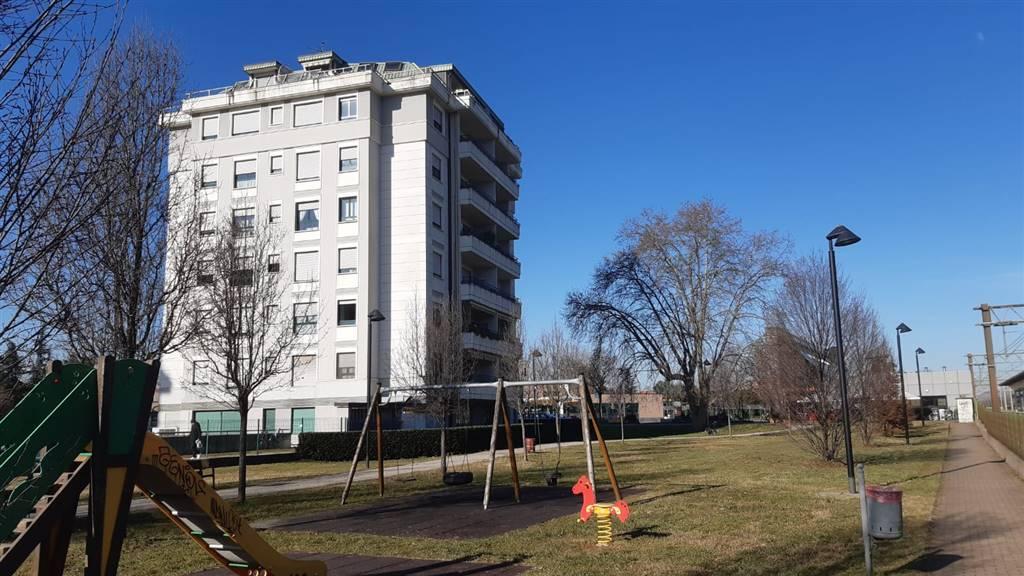 Appartamento in vendita a Caronno Pertusella, 3 locali, prezzo € 170.000 | PortaleAgenzieImmobiliari.it