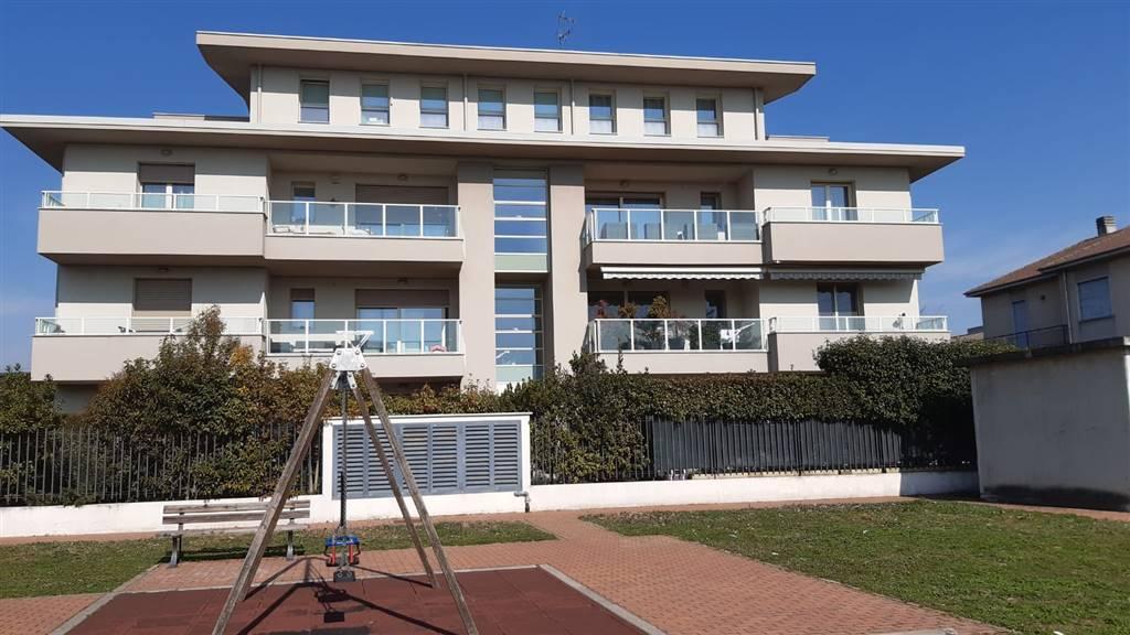Attico / Mansarda in vendita a Caronno Pertusella, 5 locali, prezzo € 379.000 | PortaleAgenzieImmobiliari.it