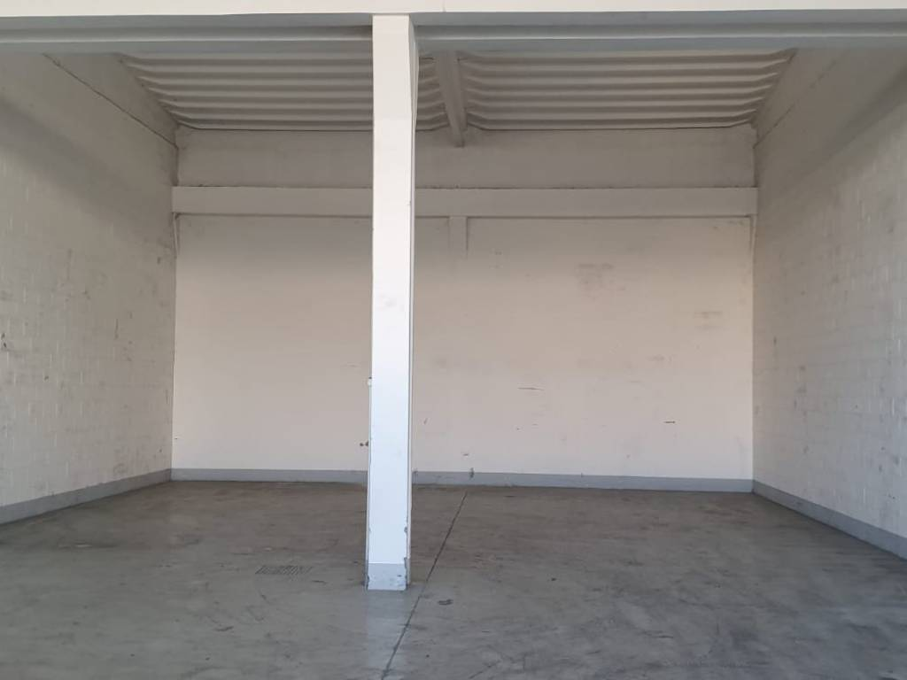 Immobile Commerciale in affitto a Trezzano sul Naviglio, 1 locali, prezzo € 850 | CambioCasa.it