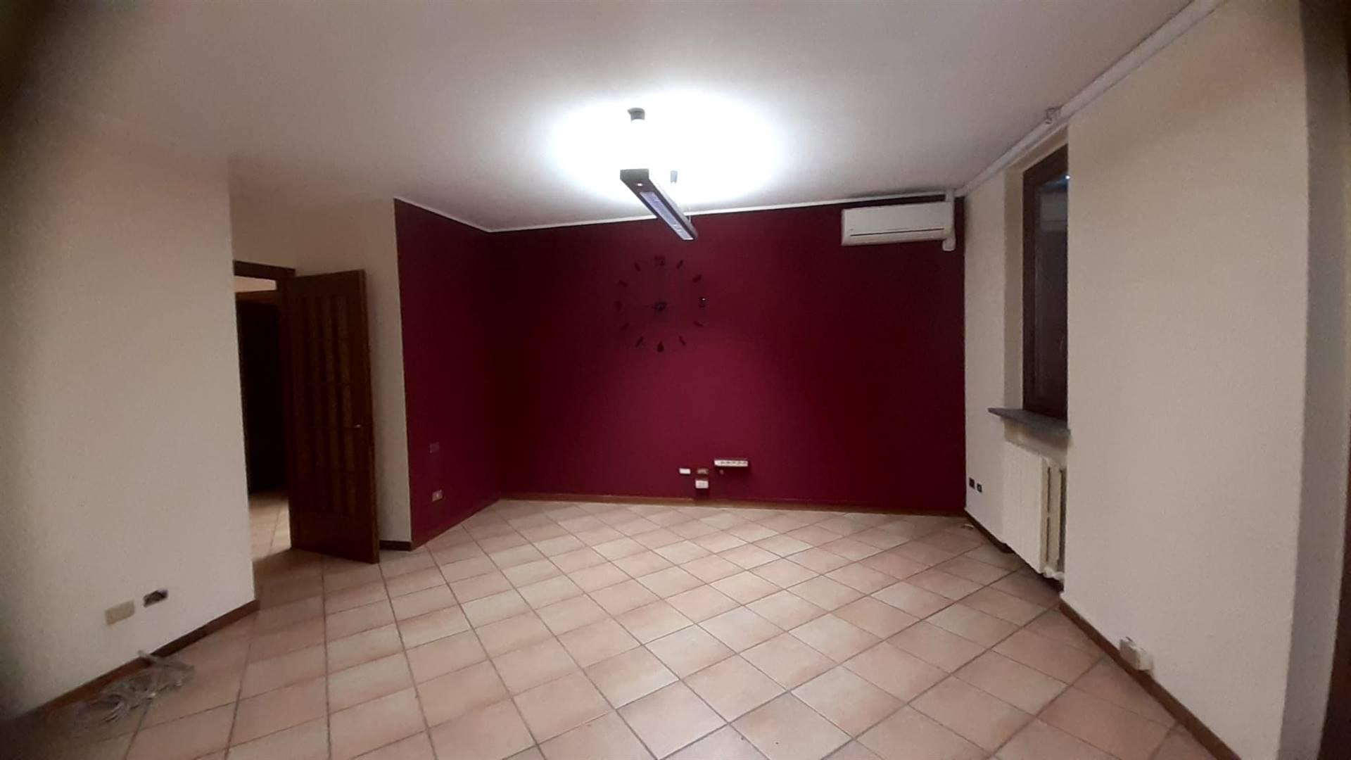 Ufficio / Studio in affitto a Garbagnate Milanese, 2 locali, prezzo € 800 | PortaleAgenzieImmobiliari.it
