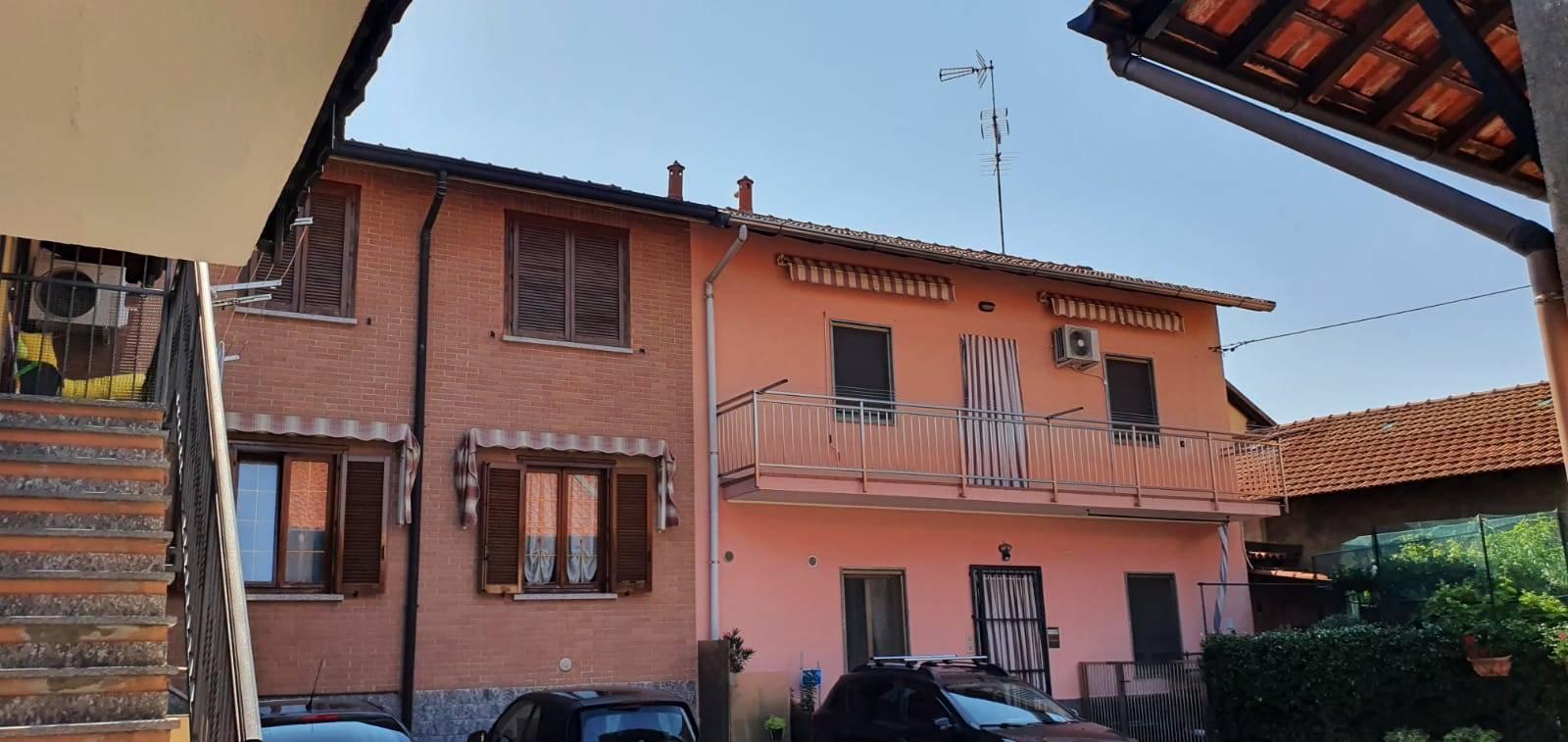 Appartamento in affitto a Caronno Pertusella, 2 locali, prezzo € 550 | CambioCasa.it