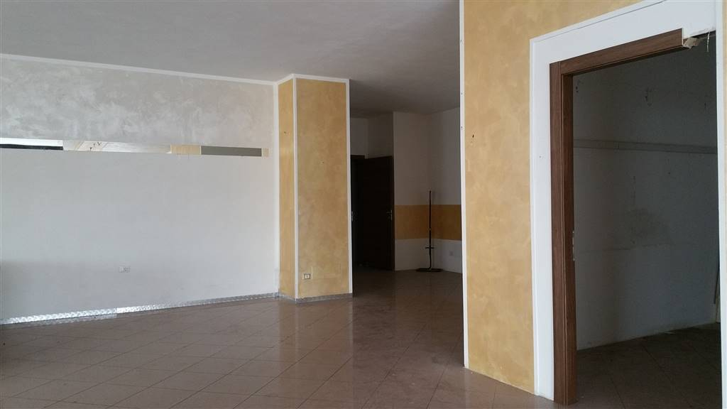 Negozio / Locale in vendita a Sant'Ambrogio di Valpolicella, 1 locali, zona Zona: Domegliara, prezzo € 230.000 | CambioCasa.it