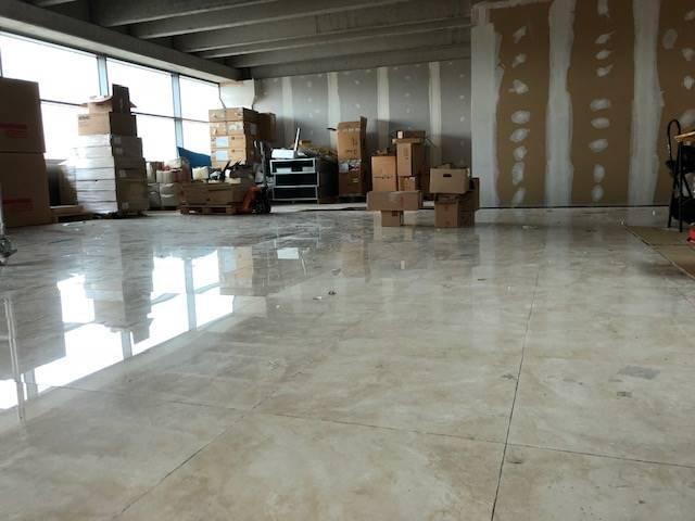 Ufficio / Studio in affitto a Sona, 1 locali, zona Zona: Lugagnano, prezzo € 2.000 | CambioCasa.it