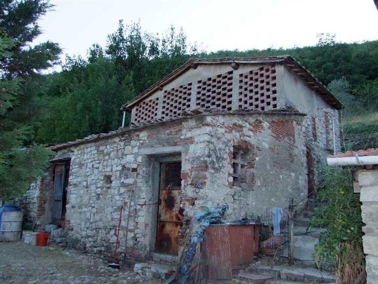 Rustico casale, Santa Brigida, Pontassieve, da ristrutturare