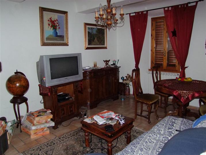 Appartamento in vendita a Dicomano, 3 locali, prezzo € 140.000   CambioCasa.it